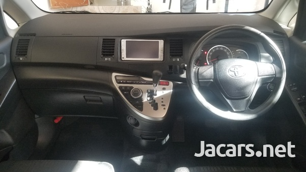 Toyota Isis 2,0L 2012-11