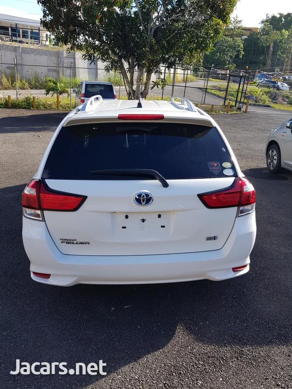Toyota Fielder 1,5L 2015-2