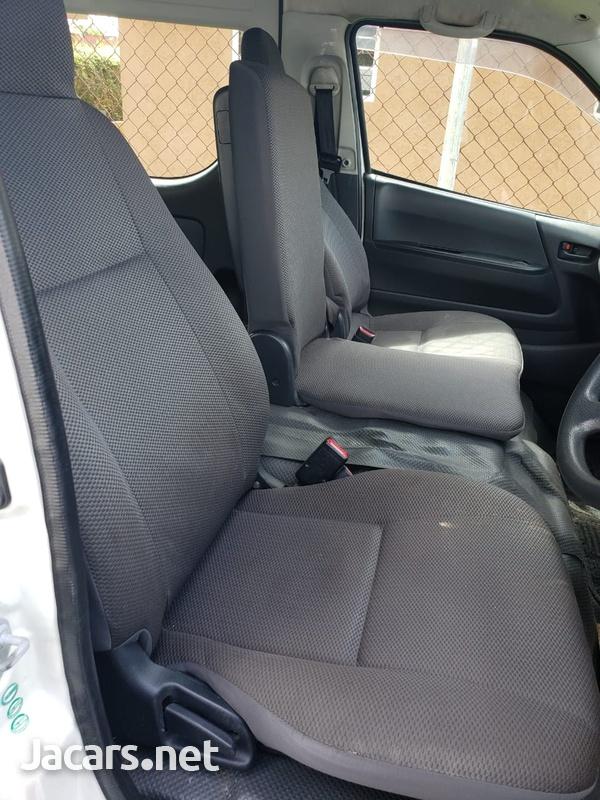 2011 Toyota Hiace GL Bus-6