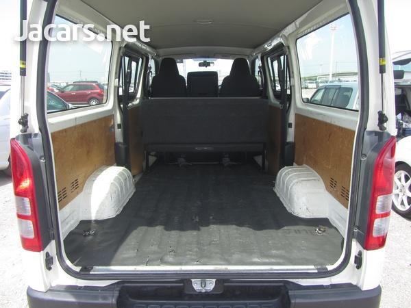 Toyota Hiace Bus 2,0L 2017-5