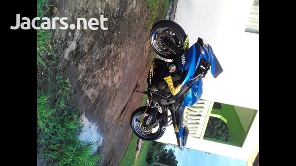 2010 GXS-R 750 Bike-4