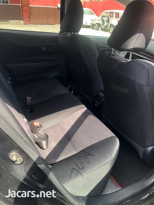 Toyota Vitz 1,2L 2012-7
