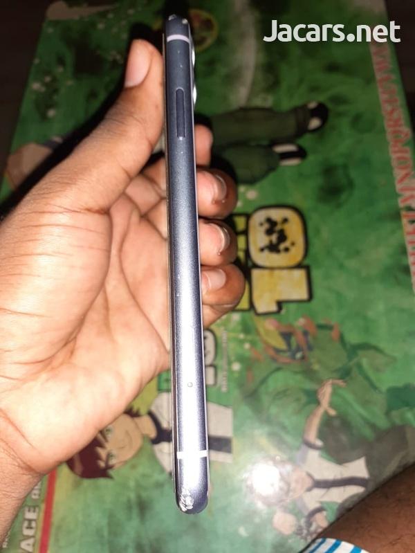 iPhone 11-5