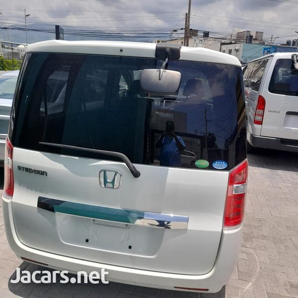 Honda Stepwgn 2,0L 2015-5