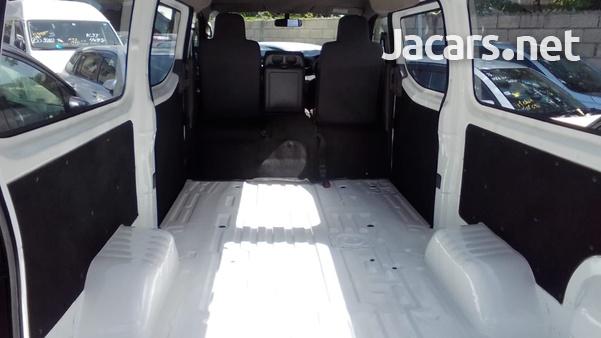 2014 Nissan Caravan-9
