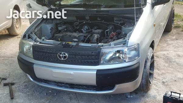 Toyota Probox 1,3L 2013-5