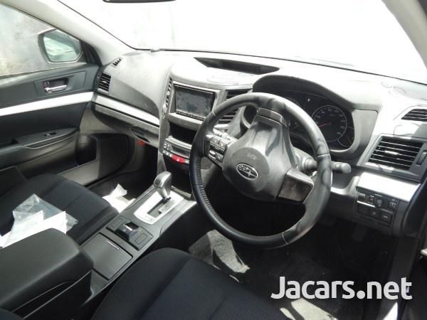Subaru Legacy 2,0L 2013-6