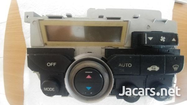 Honda Stream A/C Control Unit-1