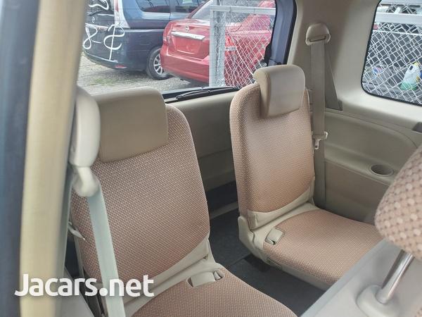 Toyota Sienta 1,6L 2012-5
