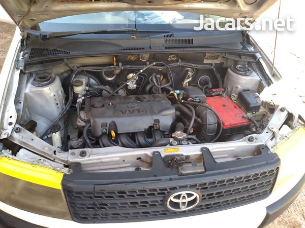 Toyota Probox 1,5L 2010-8
