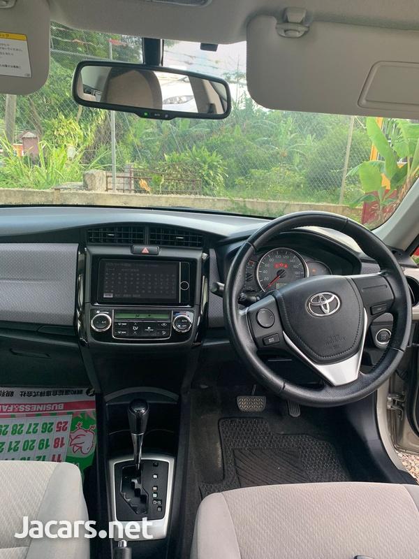 Toyota Axio 2,0L 2012-6