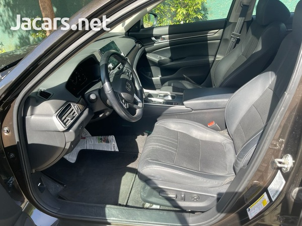 Honda Accord 2,0L 2018-10