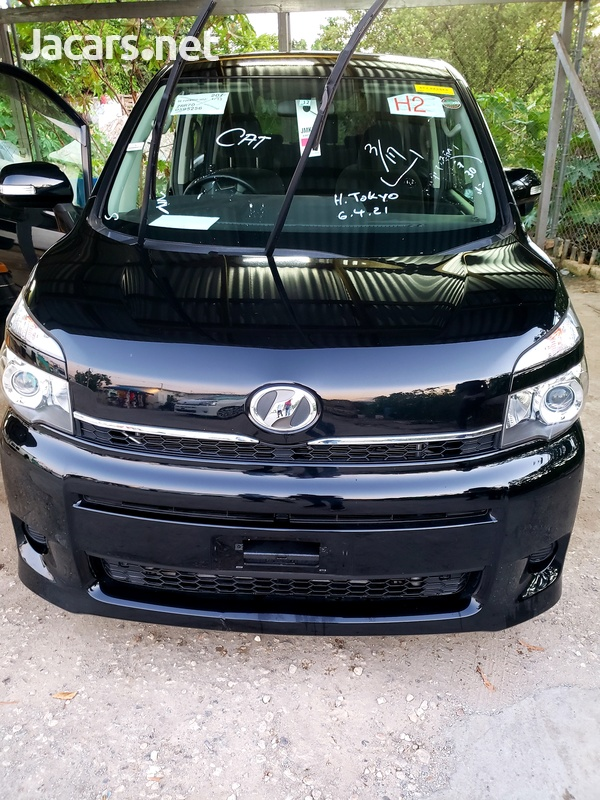2013 Toyota voxy button start-1