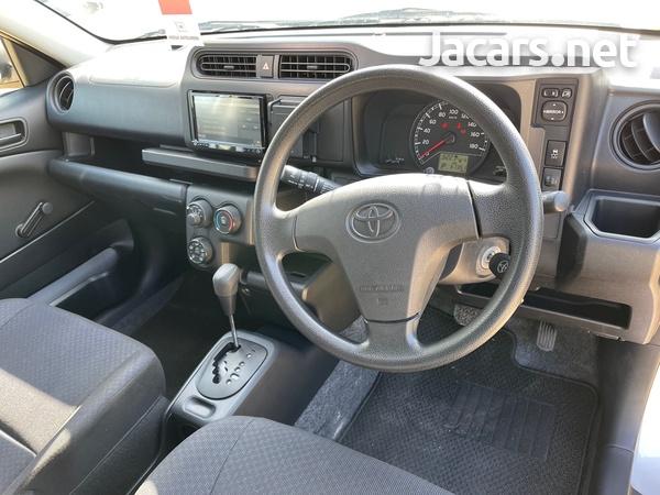 Toyota Probox 1,3L 2018-7