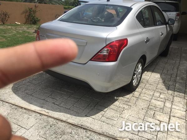 Nissan Versa 1,6L 2015-1