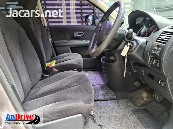 Nissan LaFesta 2,0L 2010-7