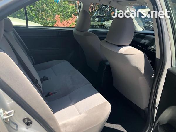 Toyota Axio 1,5L 2015-7