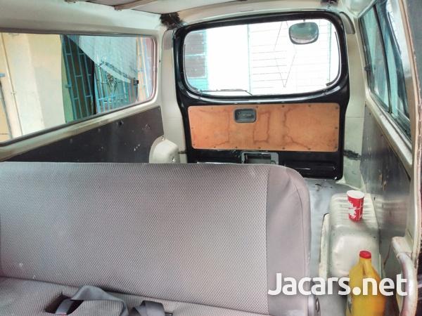 Nissan Caravan 4,0L 2012-2