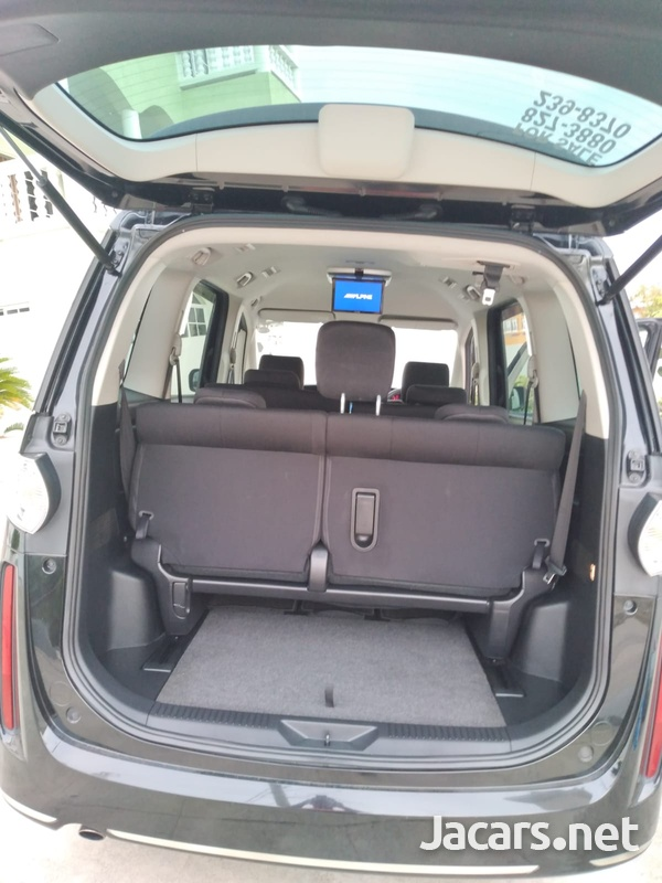 Mazda Biante 2,0L 2012-6