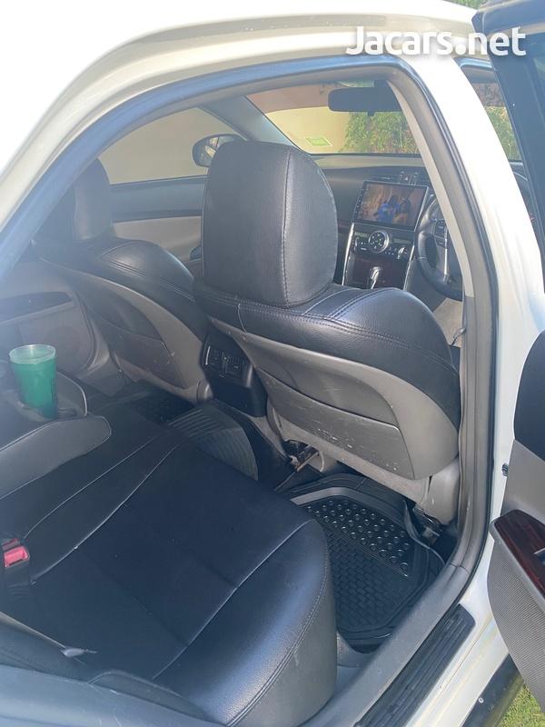 Toyota Mark X 2,5L 2011-8