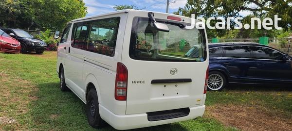 2014 Toyota Hiace Bus-2