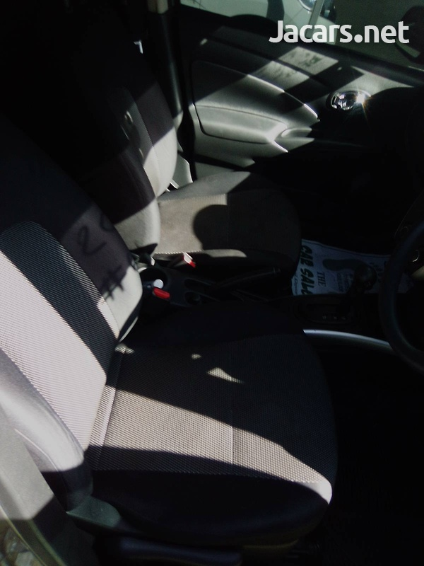 Nissan Latio 1,2L 2015-6