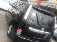 Toyota Isis 1,8L 2013