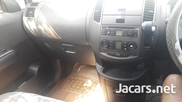 Nissan LaFesta 2,0L 2006-8