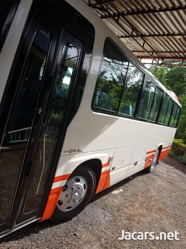 2009 Isuzu Gala Mio Bus-3
