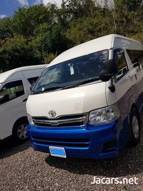 Toyota Hiace Bus 2,7L 2011-9