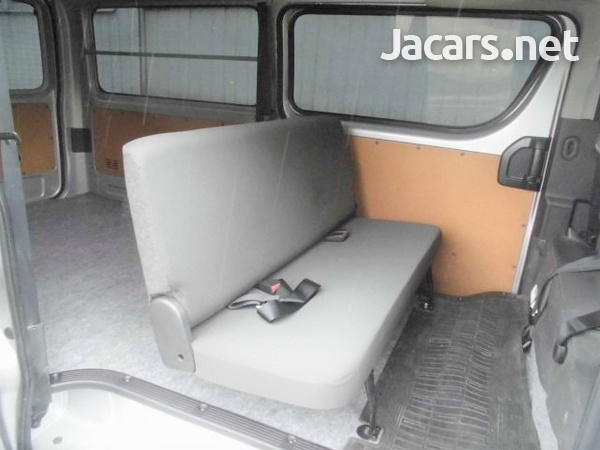 Toyota Hiace Van 2,0L 2016-10