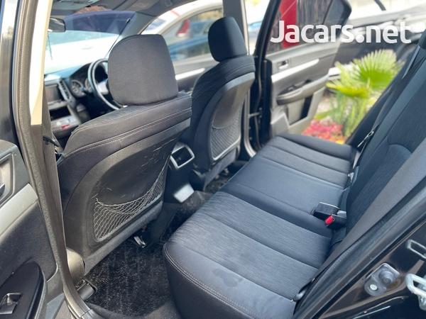 Subaru Legacy 2,5L 2011-8