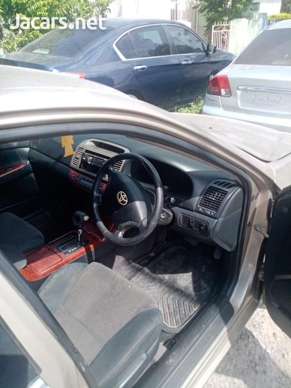 Toyota Camry 2,4L 2005-4