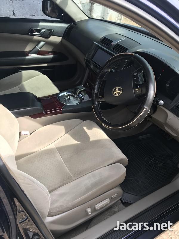 Toyota Mark X 2,0L 2008-4