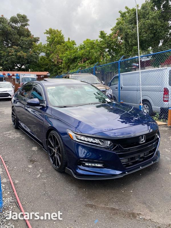Honda Accord 2,0L 2020-3
