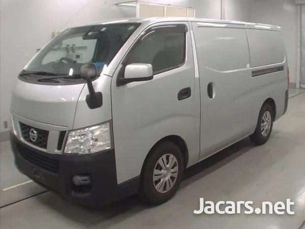 2015 Nissan Caravan freezer-8