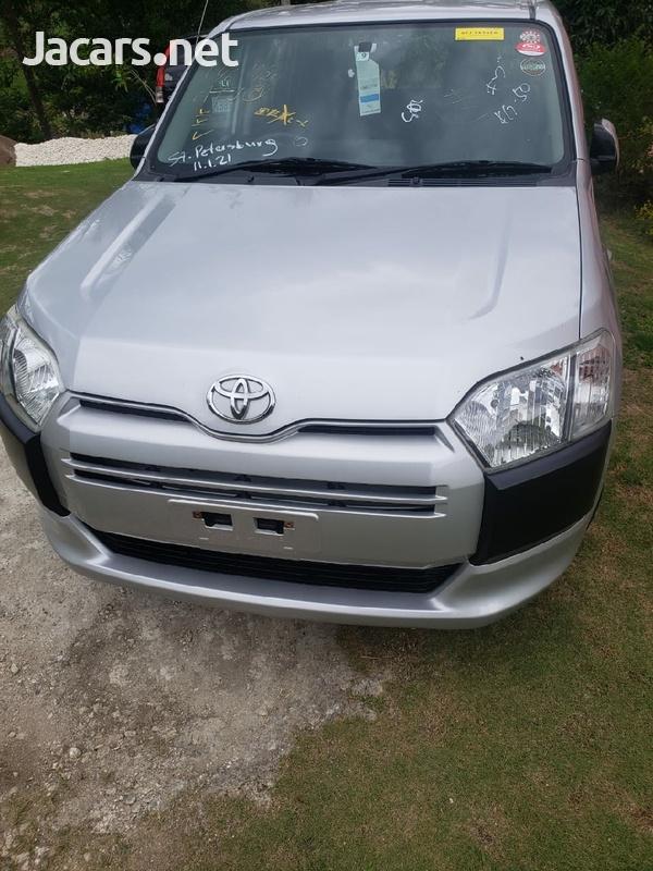 Toyota Probox 1,5L 2015-1