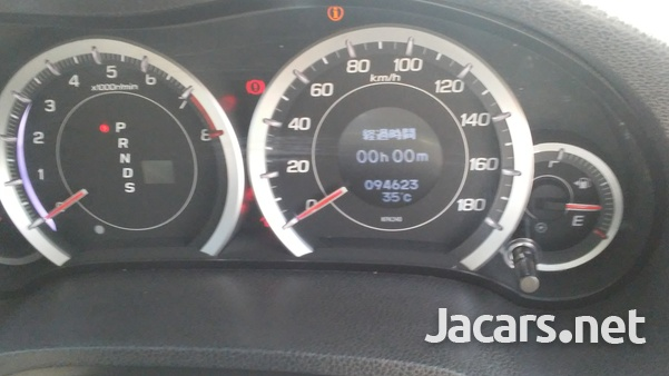 Honda Accord 2,4L 2010-7