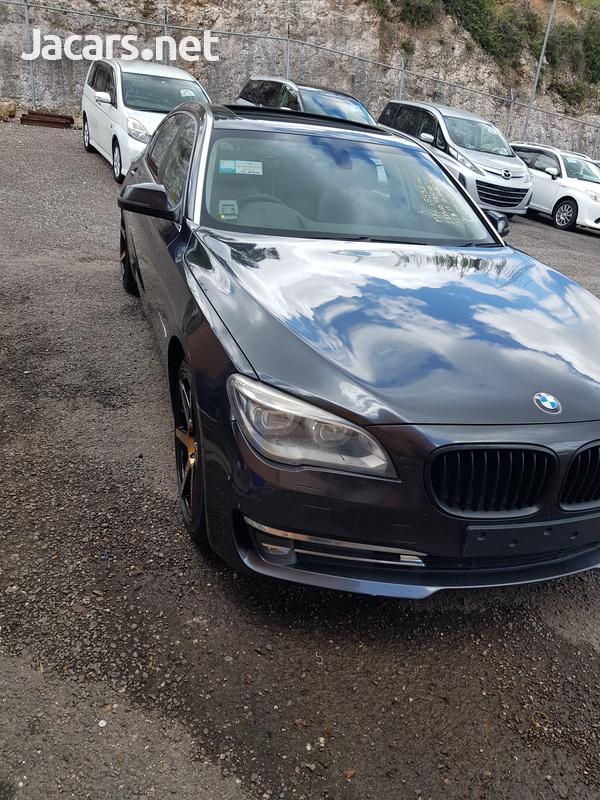 BMW 7-Series 3,0L 2014-4