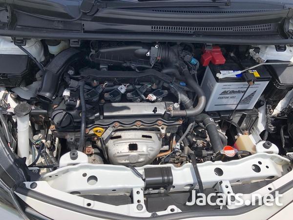 Toyota Vitz 1,3L 2016-11