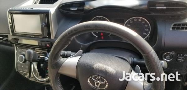 Toyota Wish 2,0L 2014-6
