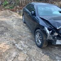 Crashed Toyota Crown 2,5L 2012