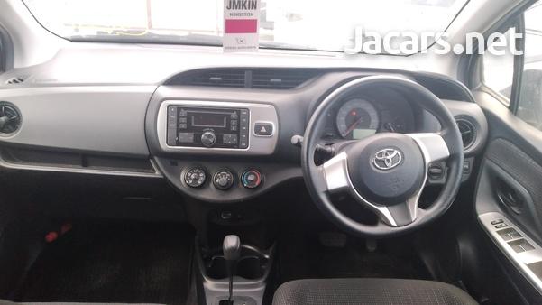 Toyota Vitz 0,9L 2016-5