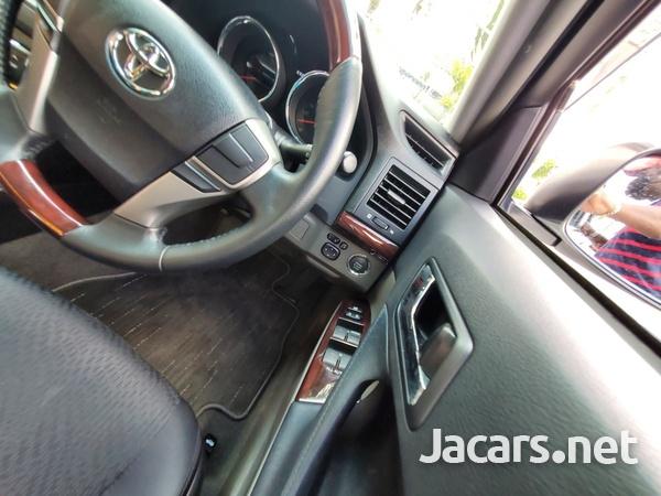 Toyota Mark X 2,4L 2012-8