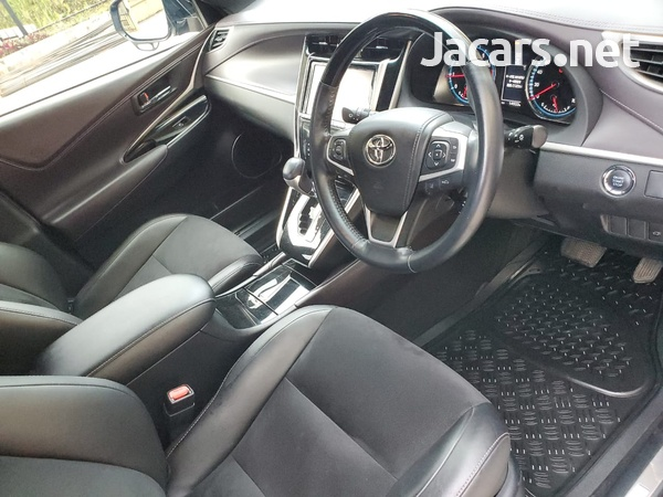 Toyota Harrier 2,0L 2016-3