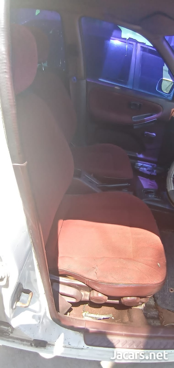 Nissan Sunny 1,5L 1991-4