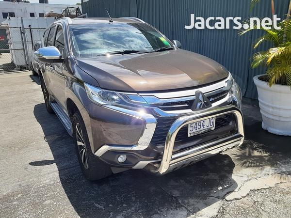 Mitsubishi Montero Sport 2,7L 2019-6