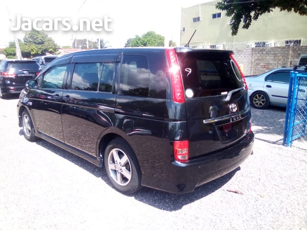 Toyota Isis 2,0L 2010-3