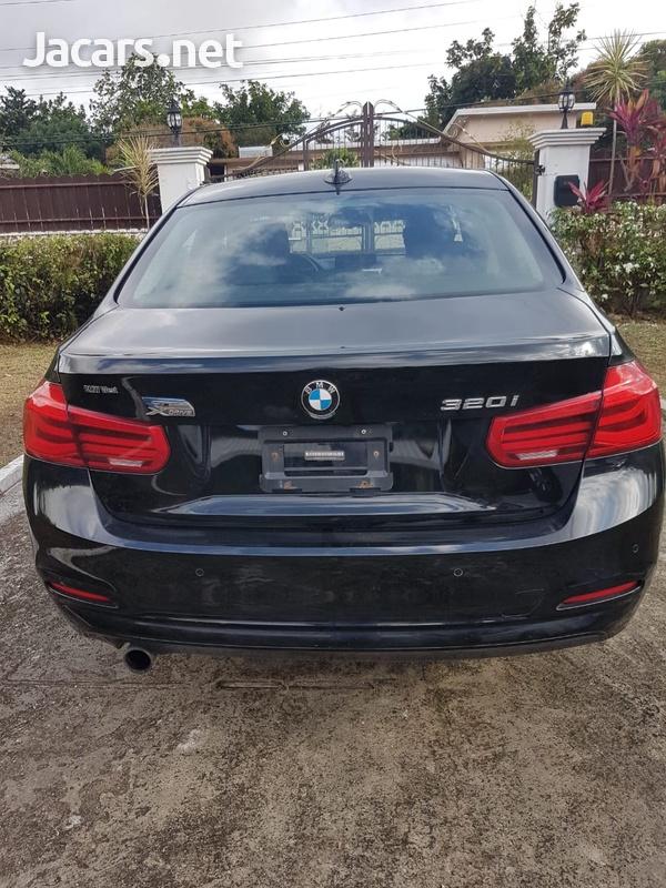 BMW 3-Series 2,0L 2016-10