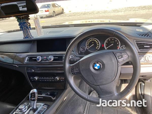 BMW 7-Series 3,0L 2012-7